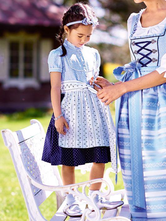 Сукня з рукавами-ліхтариками і фартухи