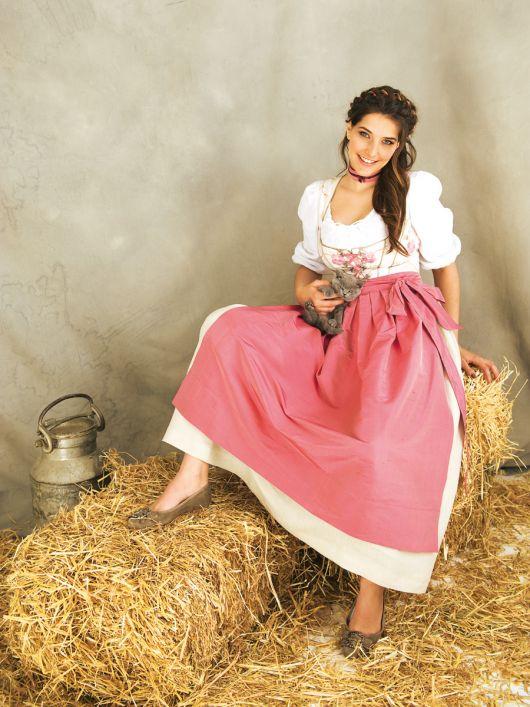 Сукня шовкова і фартух у баварському стилі