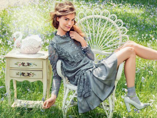 Сукня з заниженою талією
