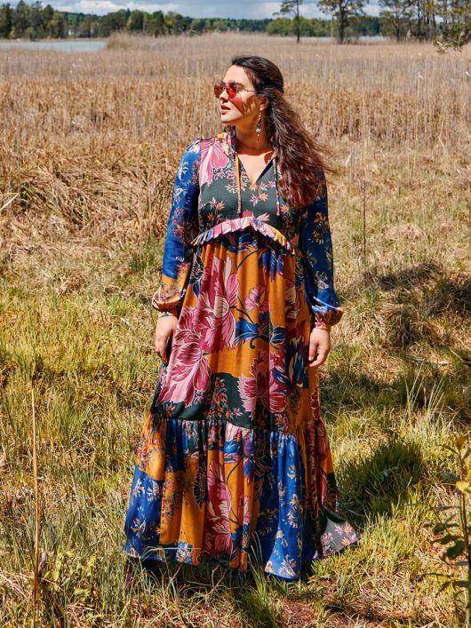 Сукня силуету ампір з оборками і рюшами