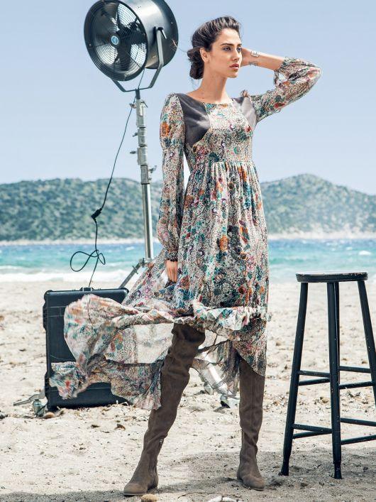 Сукня з пишною асиметричною спідницею