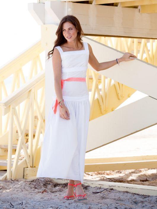Сукня на бретелях і з заниженою талією