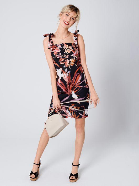 Платье простого кроя на бретелях с завязками