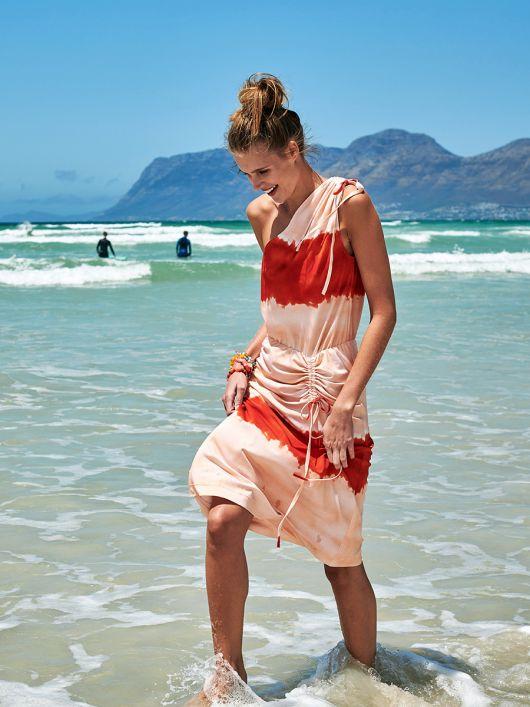 Платье трикотажное с асимметричными кулисками