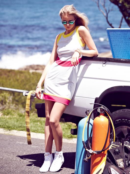 Сукня міні з рельєфними швами