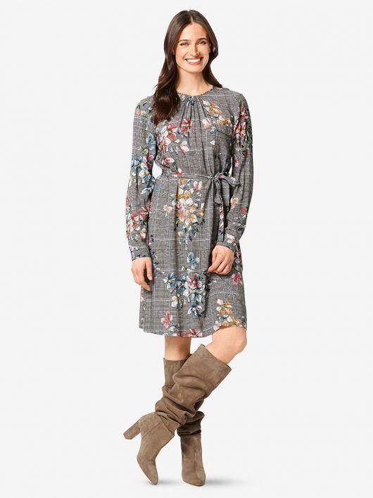 Сукня простого крою з поясом