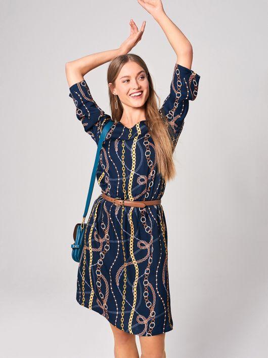 Платье простого кроя с кулиской на талии
