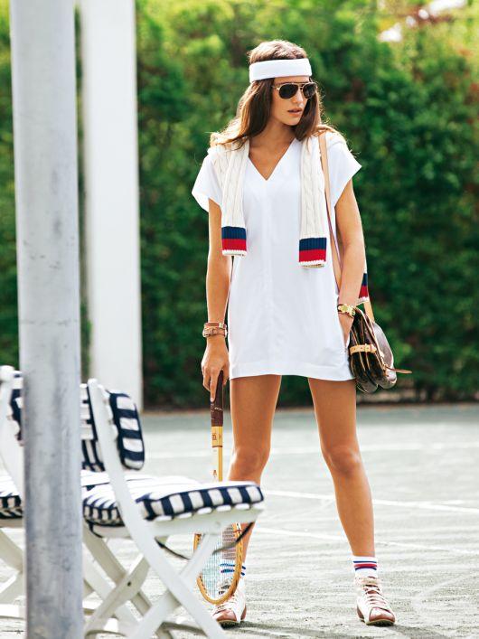 Сукня міні прямого крою з V-подібною горловиною