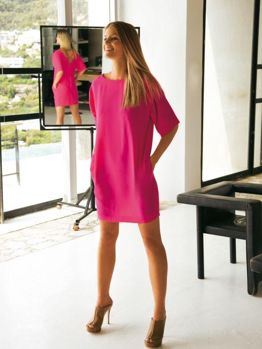 Сукня літня з вирізом на спинці