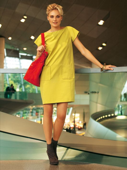 Сукня О-силуету з короткими рукавами кімоно