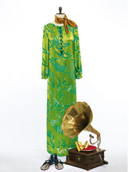 Сукня максі прямого крою з боковим розрізом