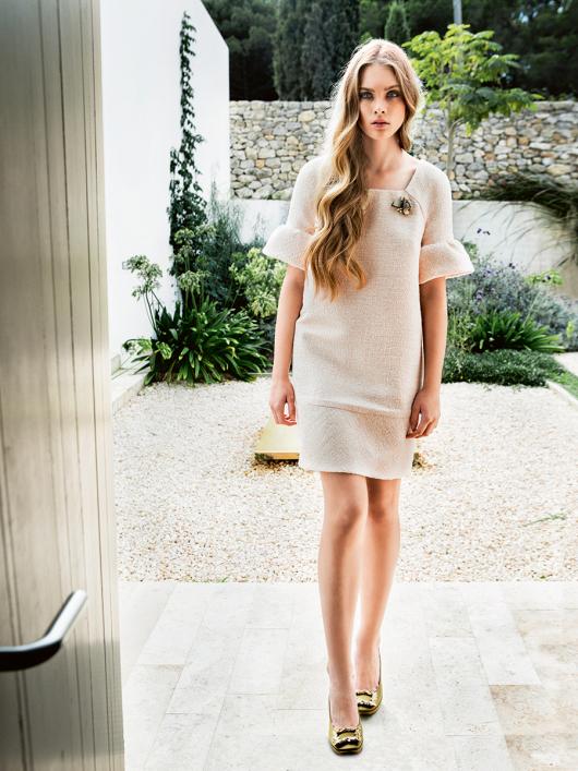 Лаконічна міні-сукня в стилі ретро