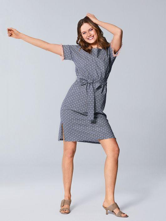 Платье-туника с бахромой на рукавах