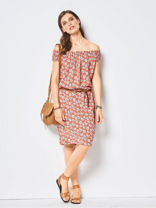 Сукня прямого крою з вирізом горловини кармен