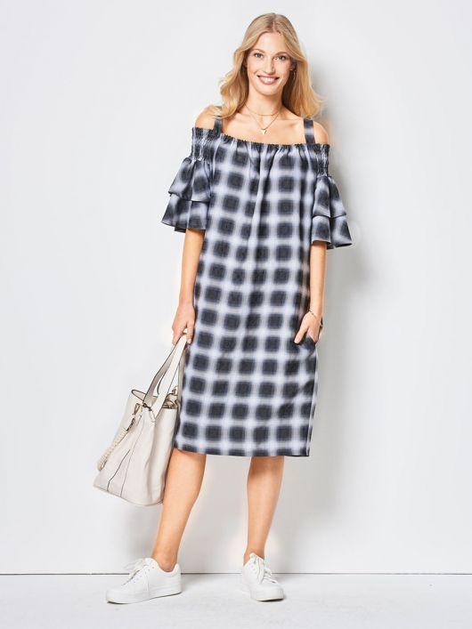 Сукня з вирізом кармен на широких бретелях