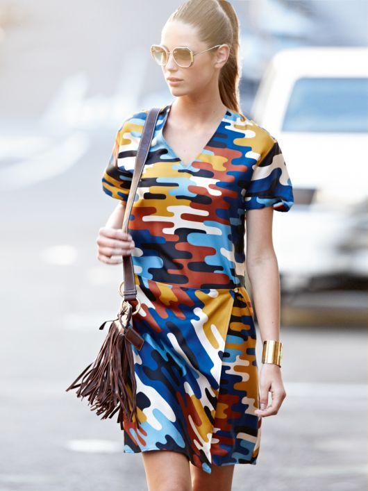 Сукня міні з відлітними деталями
