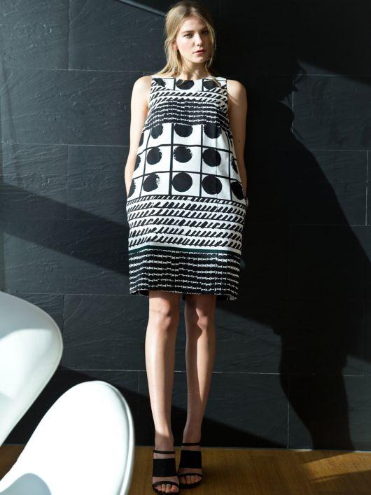 Сукня прямого крою в стилі 60-х