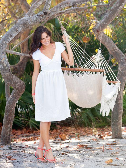Сукня з фігурною планкою на талії