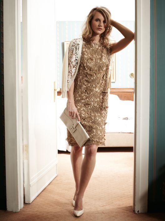 Сукня мереживна з короткими рукавами