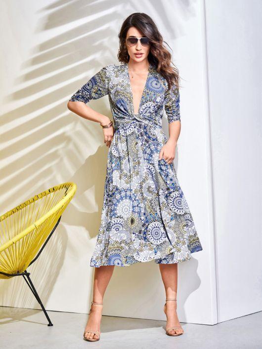 Сукня трикотажна з глибоким декольте