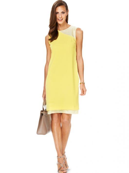 Сукня приталеного силуету з ефектом двошаровості