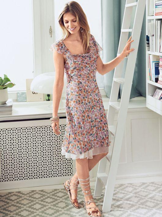 Сукня приталеного крою з ефектом двошаровості