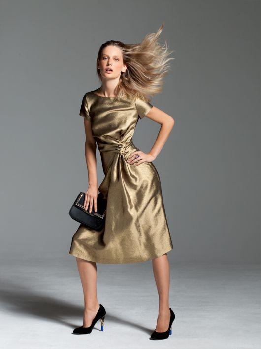 Сукня з драпіровкою на талії