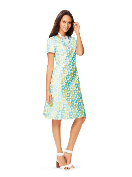 Сукня приталеного силуету з короткими рукавами