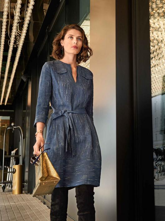 Сукня лляна А-силуету з довгими рукавами