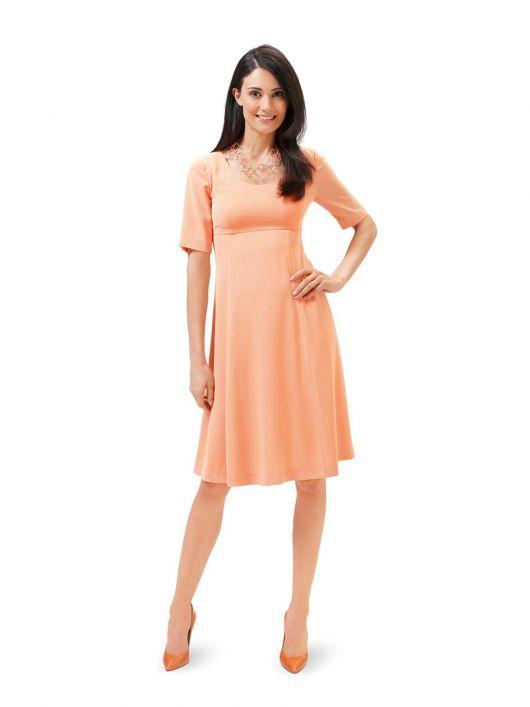 Сукня силуету ампір з короткими рукавами