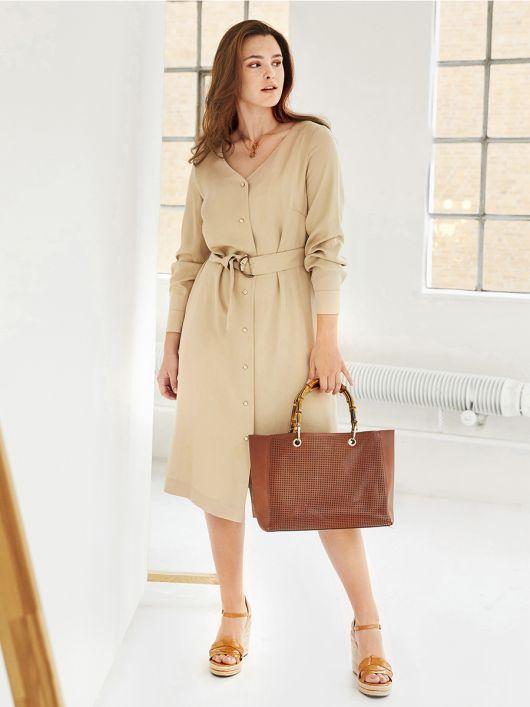 Сукня-сорочка з V-подібним вирізом