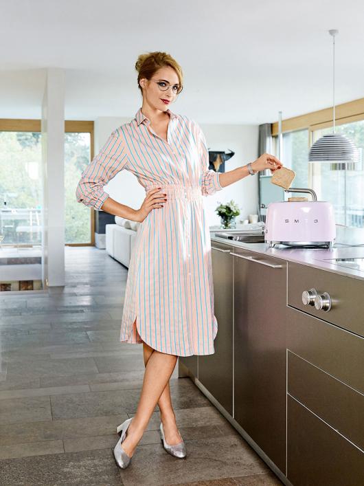 Сукня-сорочка з призбореним вшивним поясом