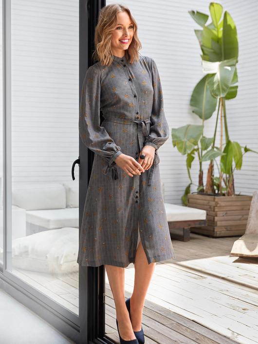 Сукня сорочкового крою з розкльошеною спідницею