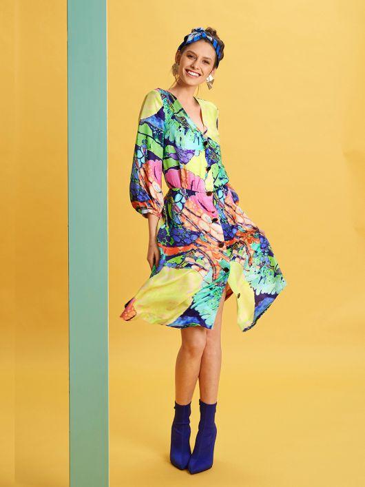 Сукня-сорочка з V-подібним вирізом горловини