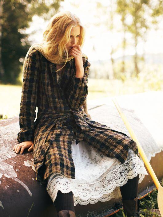 Сукня-сорочка з відлітними деталями