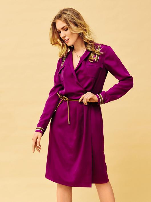 Сукня сорочкового крою із запахом