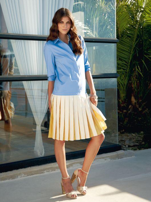 Сукня-сорочка із заниженою талією і спідницею в складку