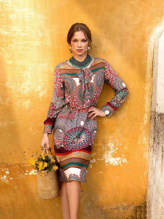 Сукня сорочкового крою з воланами