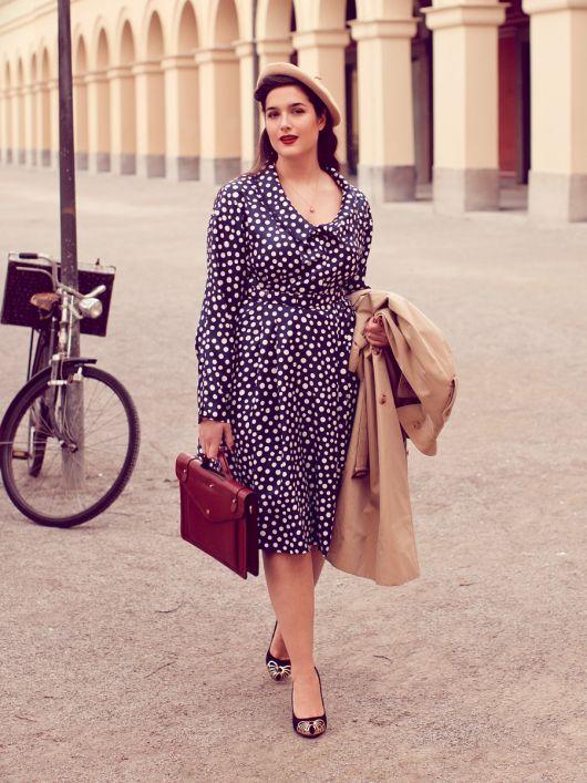 Сукня сорочкового крою у стилі ретро