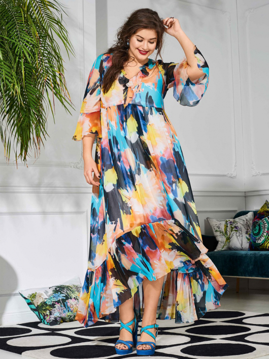 Сукня силуету ампір з оборками і воланом