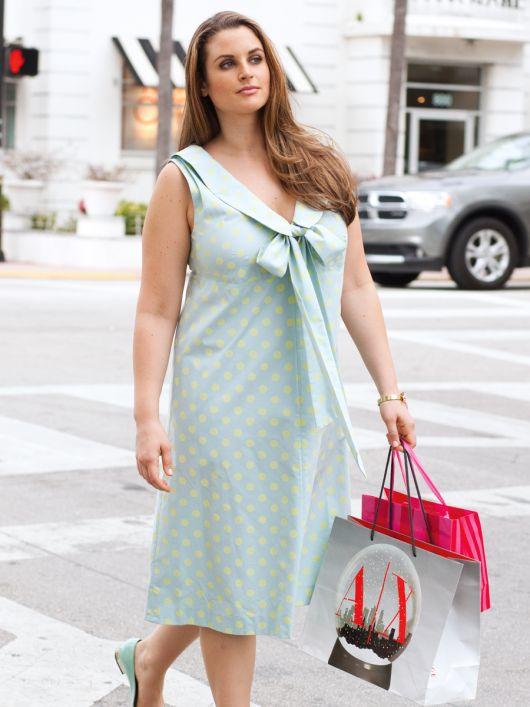 Сукня силуету ампір з діагональними виточками
