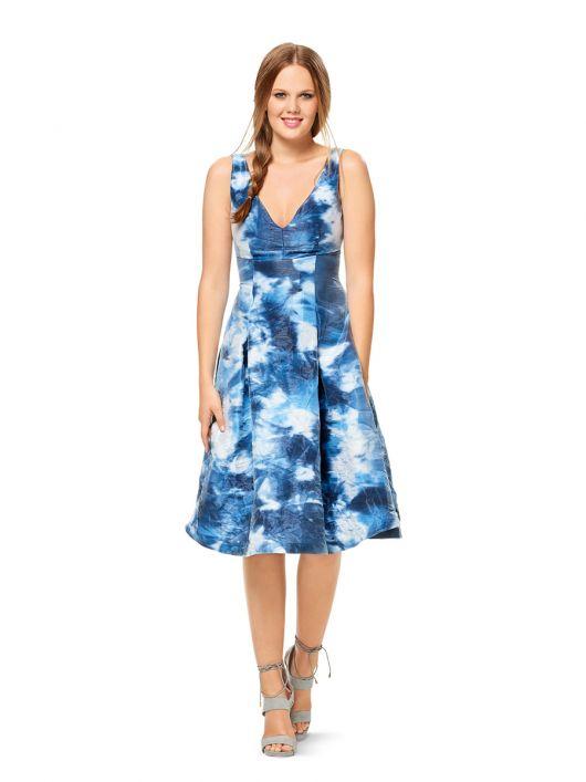 Сукня силуету ампір з глибоким V-подібним вирізом