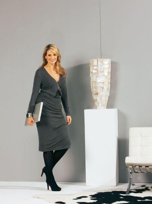 Сукня трикотажна з ефектом запаху і драпіровками