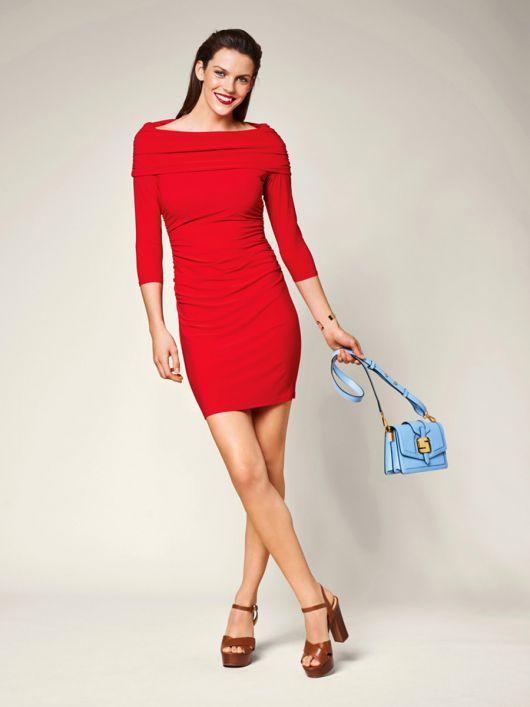 Сукня трикотажна з коміром-хомутом