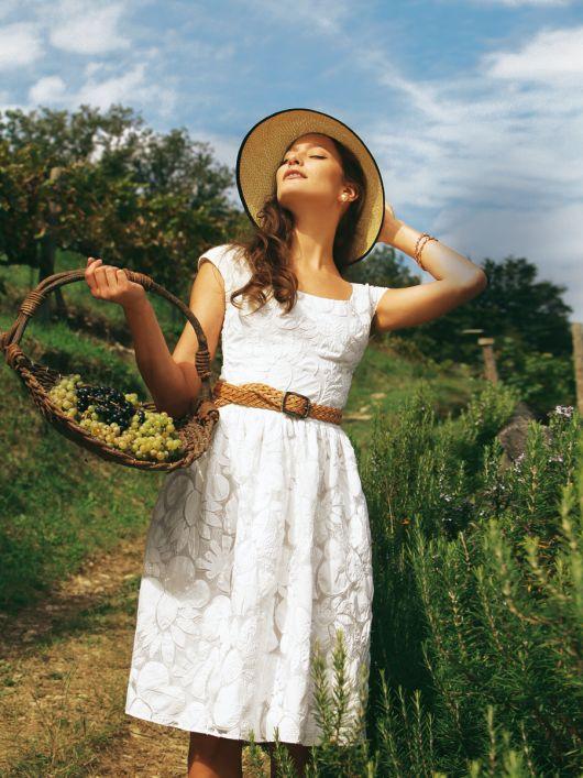 Сукня літня з пишною спідницею