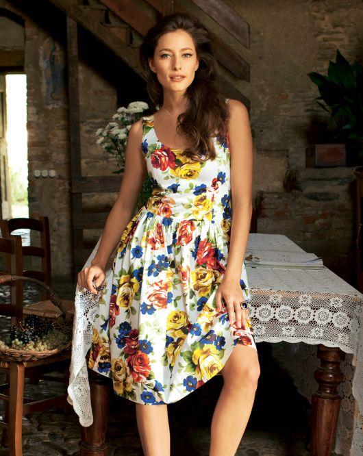 Сукня без рукавів з пишною спідницею