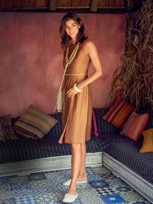 Платье отрезное с асимметричными складками
