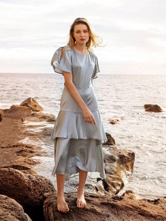 Сукня шовкова з хвилястими рукавами-крильцями