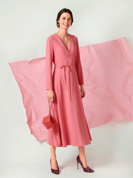 Сукня міді відрізна з рельєфними швами на ліфі
