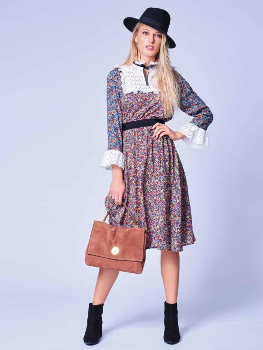 Сукня відрізна з кокетками і оборками